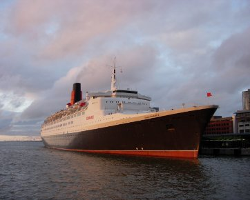 QE2 at the Pier Head